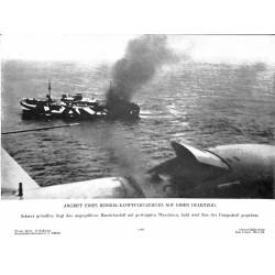 13806 WWII press photo print Angriff eines Heinkel-Kampfflugzeuges auf einen Geleitzug 1941 Photo Hoffmann