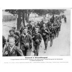 13821 WWII press photo print Einmarsch in Woroschilowgrad Russia, 1942, Serie 1524c