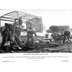 13854 WWII press photo print Bei unseren Arbeitsmännern im Osten Russia 1941 Presse-Bild-Zentrale