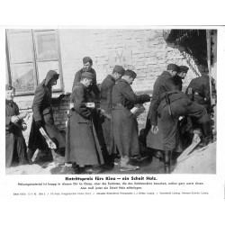 13872 WWII press photo print Eintrittspreis fürs Kino - ein Scheit Holz Russia 1942, Serie 1509a