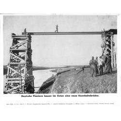 13879 WWII press photo print Deutsche Pioniere bauen im Osten eine neue Eisenbahnbrücke Russia 1942, Serie 1538d